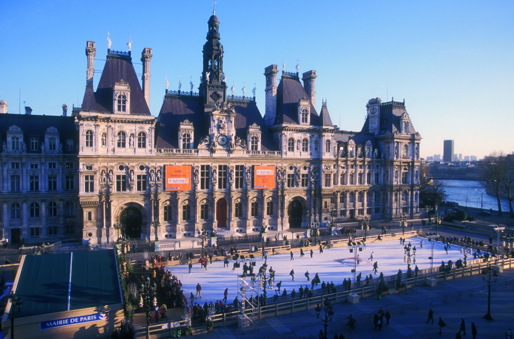 Top 5 Outdoor Ice-Skating Rinks in Europe This Christmas | Hotel de Ville, Paris
