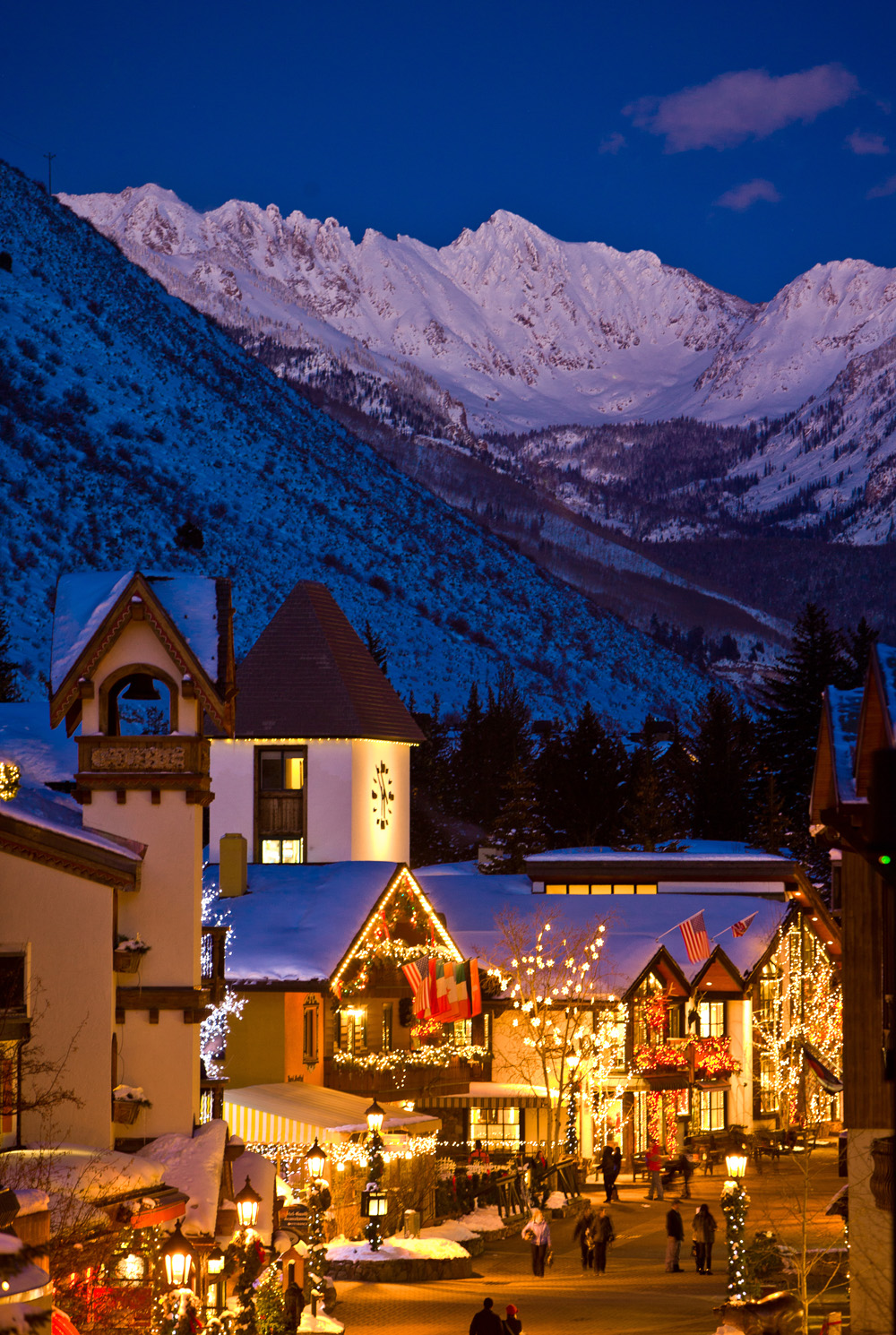 All Hail Vail | Christmas In Vail Village | Hero and Leander