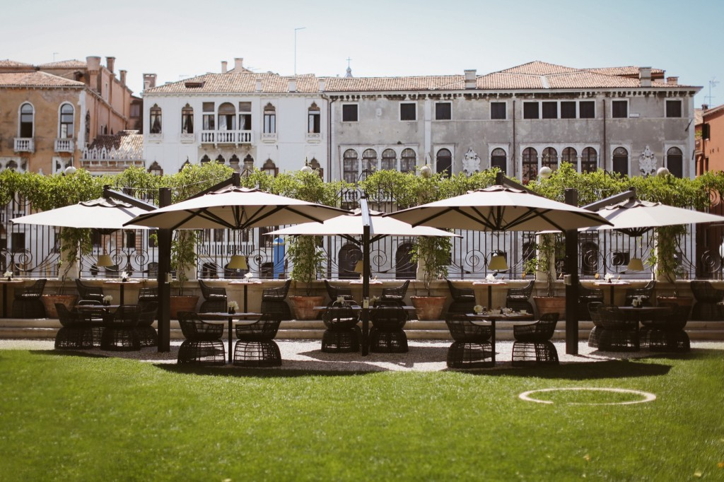 How To Dine In A Venetian Palazzo   Man Canal Grande Venice Canal Garden   Credit: Barbara Zanon Photography