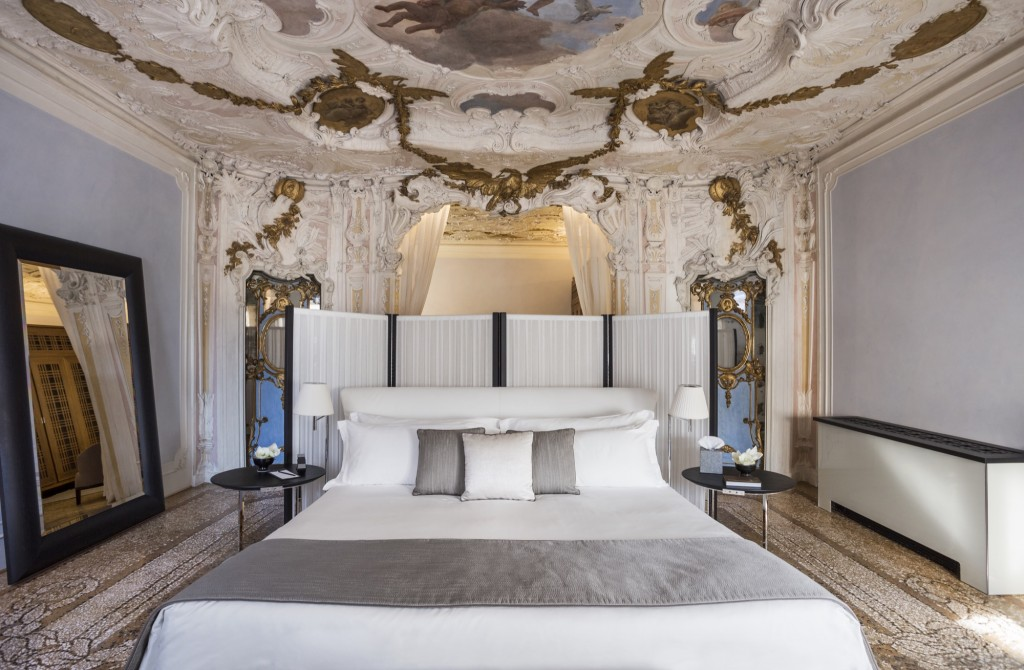 How To Dine In A Venetian Palazzo   Aman Canal Grande Venice Room