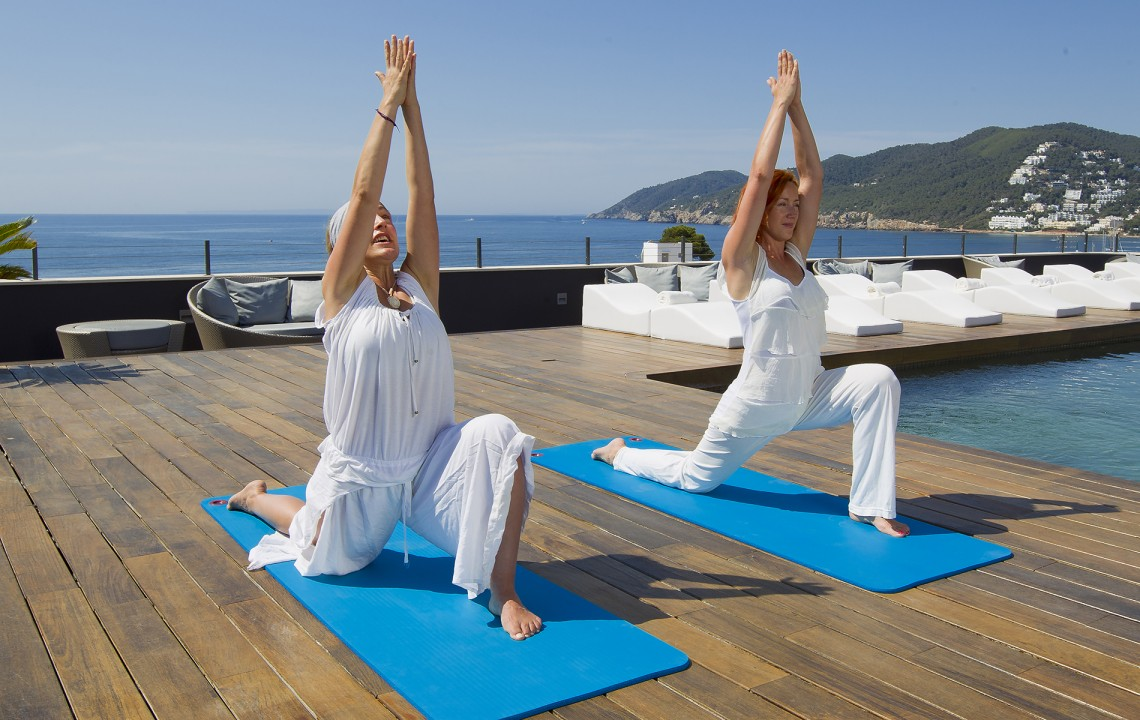 38 Degrees North   Yoga on the rooftop