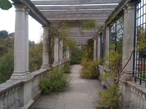 Hampstead Hill Garden & Pergola | Credit: Historic UK
