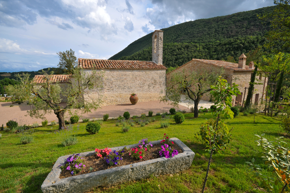 Sacred Stays | Villa Il Carmine, near to Pierantonio in Umbria, Italy