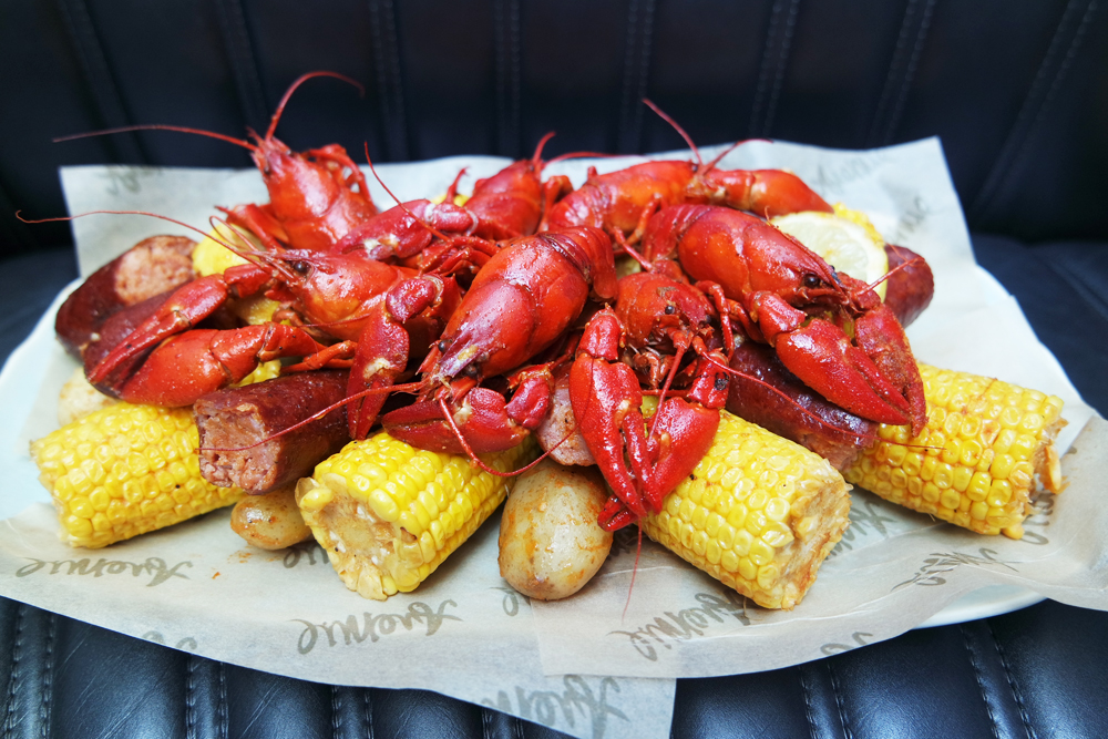 The Best Independence Day Events In London | Avenue Restaurant Crawfish Boil in collaboration with Crayfish Bob