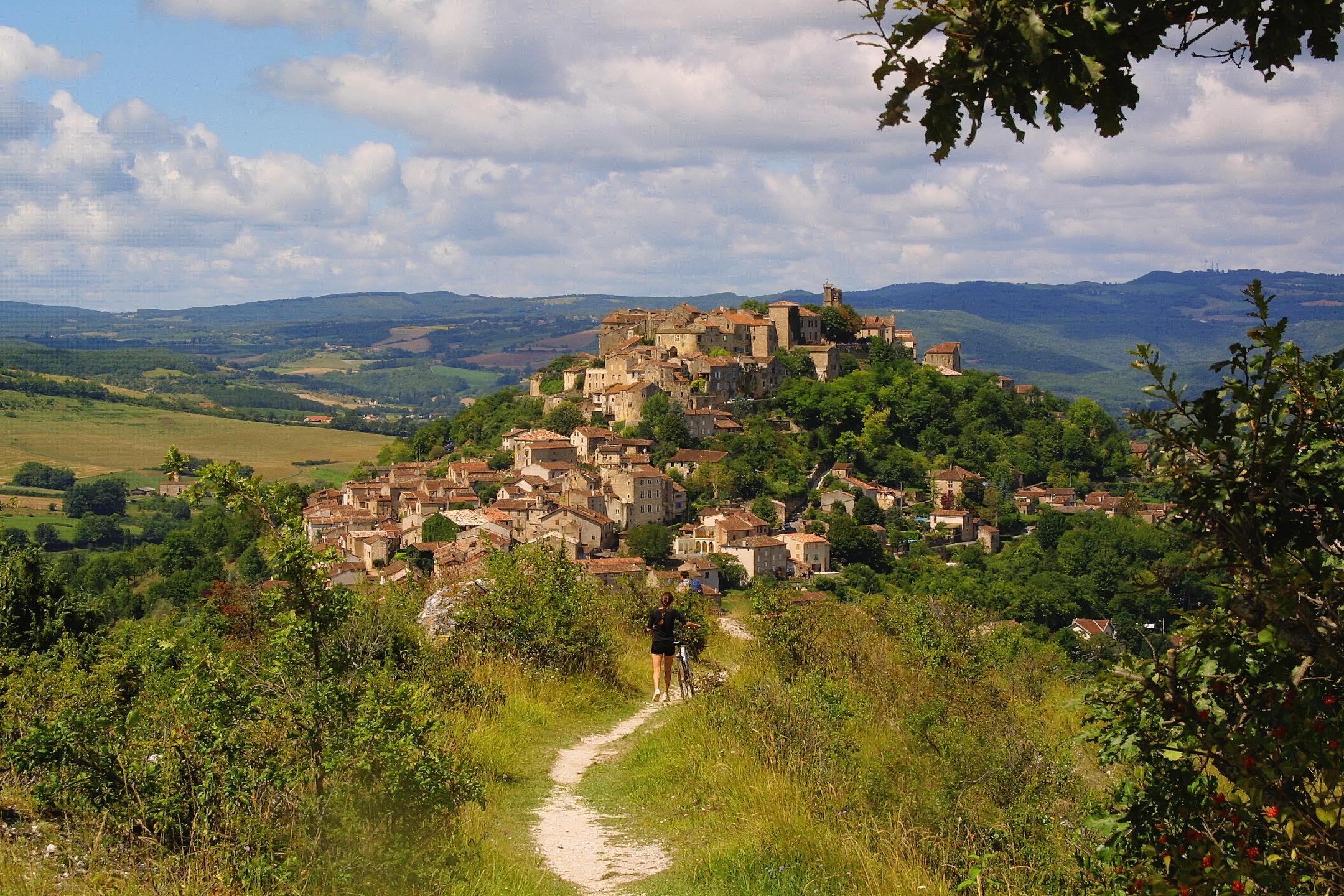 Mini Guide To Tarn | Vue d'ensemble_Cordes sur Ciel -® www.tourisme-tarn.com