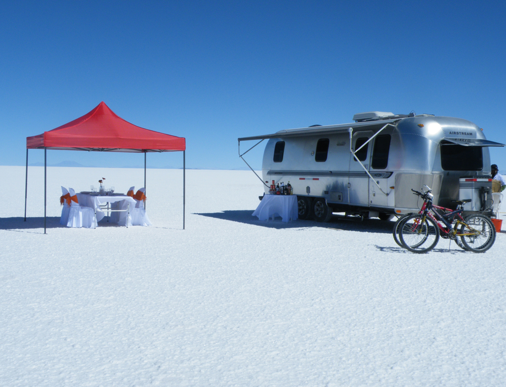 20 Unbelievable Off-the-Grids Getaways | Part I | Deluxe Airstream Campers Salar de Uyuni | www.steppestravel.co.uk