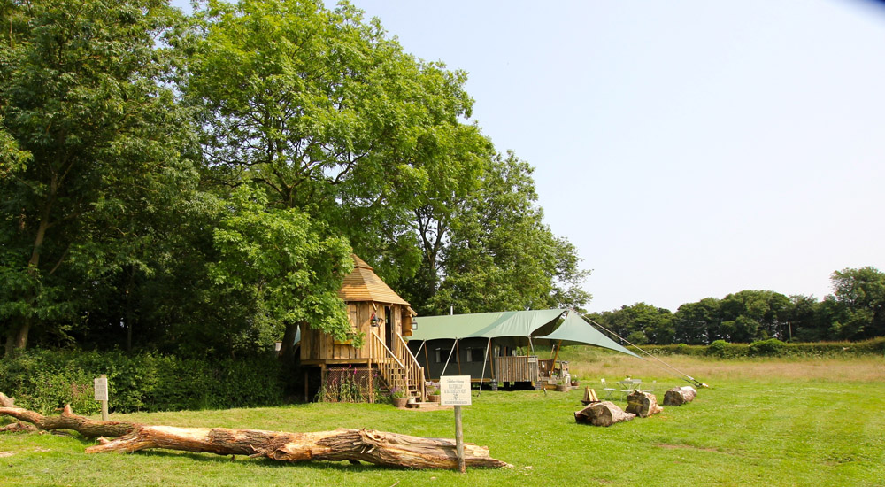 Top 10 Glampsites For Two | Glamping à Deux- the UK's Most Romantic Spots from the Experts at www.coolcamping.co.uk | The Dandelion Hideaway