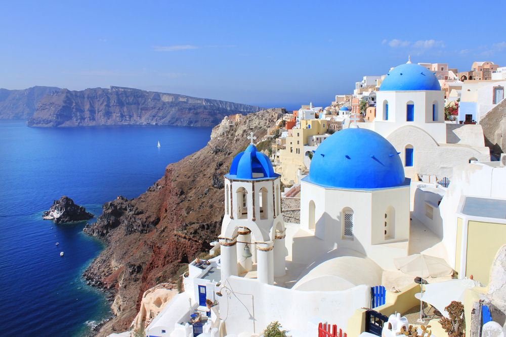 14 Picture Perfect European Towns | Santorini Oia | photo by Region of South Aegean | Greek National Tourism Organisation
