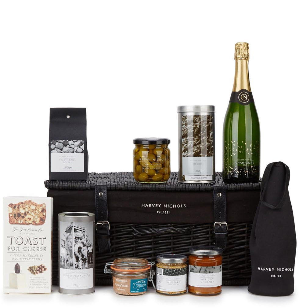 It Is Never Too Late For An Artisan Picnic | Al-Fresco Feasting Hamper – Harvey Nichols