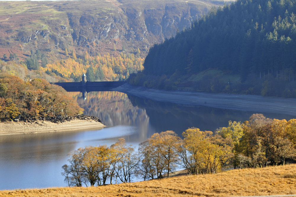 Extraordinary Luxury Autumn Escapes | Part II | Admire The Birds Of Prey In Wales' Elan Valley