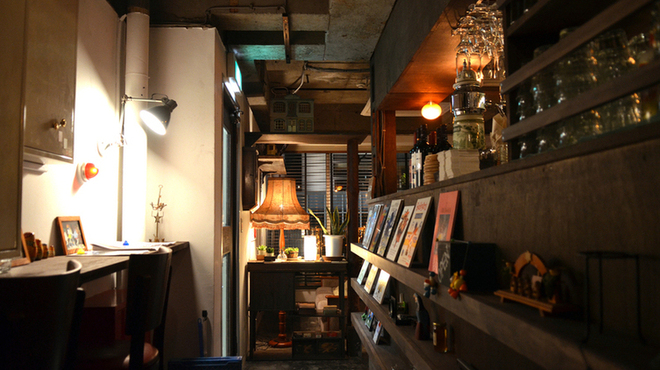 Top 10 Local Things To Do In Tokyo | Attic Room – Photo credit: tablelog.com