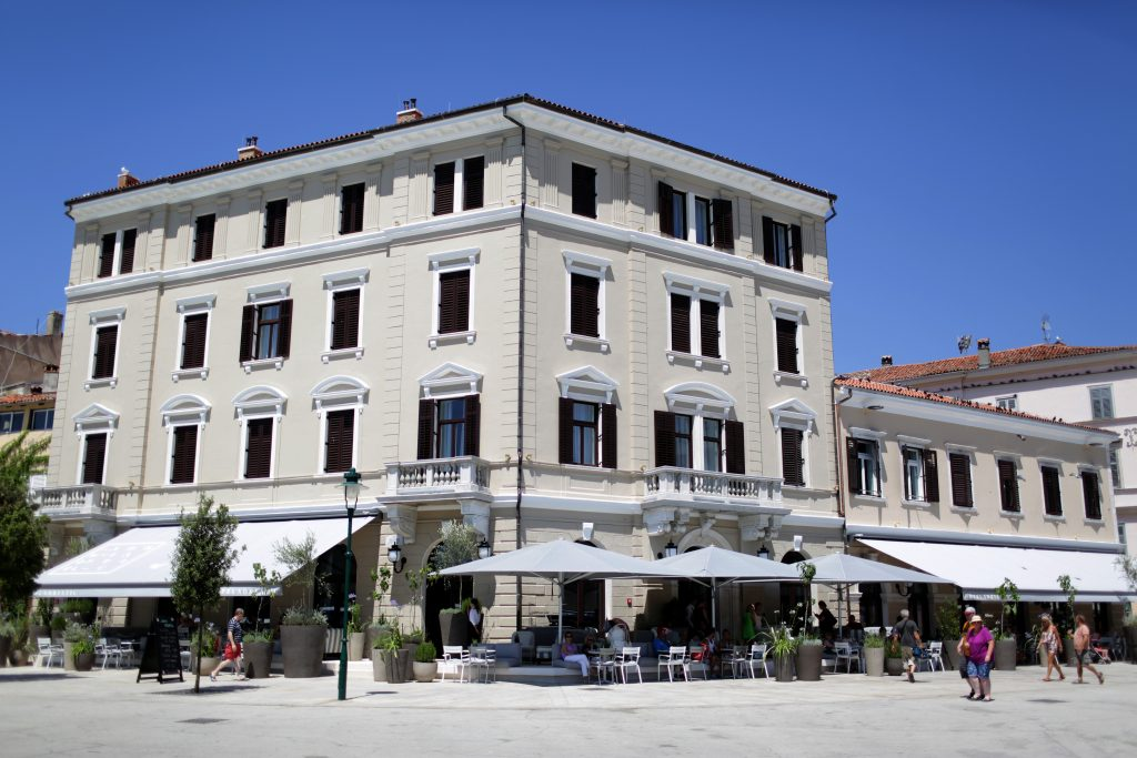 Rovinj - The Rising Croatian Star - Hotel Adriatic