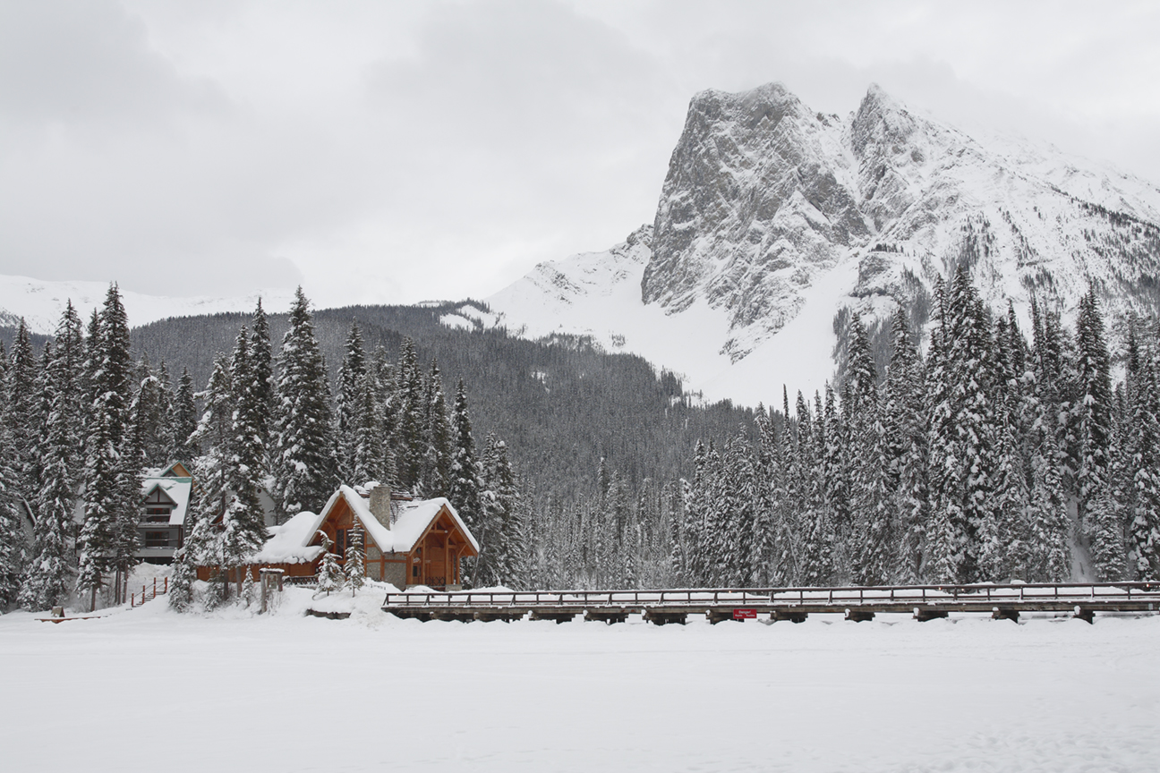 Where To Stay For The Ultimate Romantic Ski Holiday | The Emerald Lake Lodge – Yoho National Park, Canada