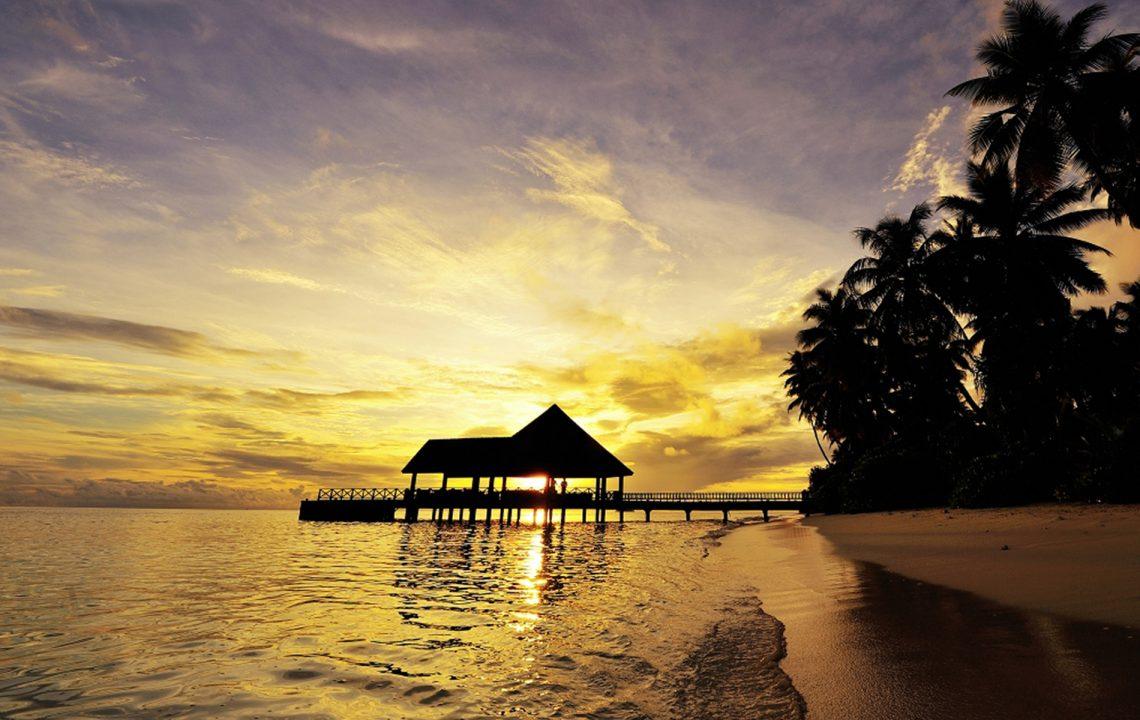 Hotel Proposals - ROBINSON Maldives Sunset