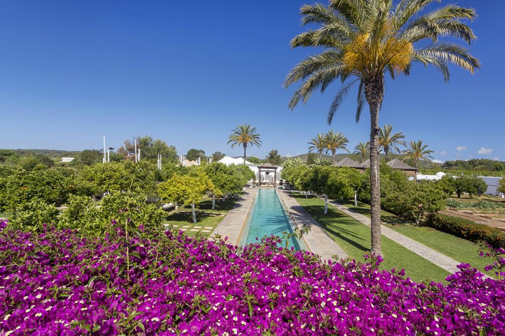 Where To Stay…Ibiza | Atzaro Espacios Comunes