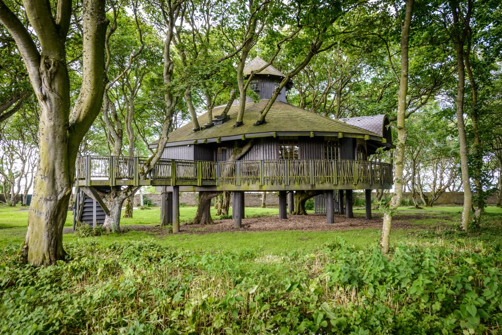 The UK's Most Romantic Treehouses | Ackergill Tower Treehouse