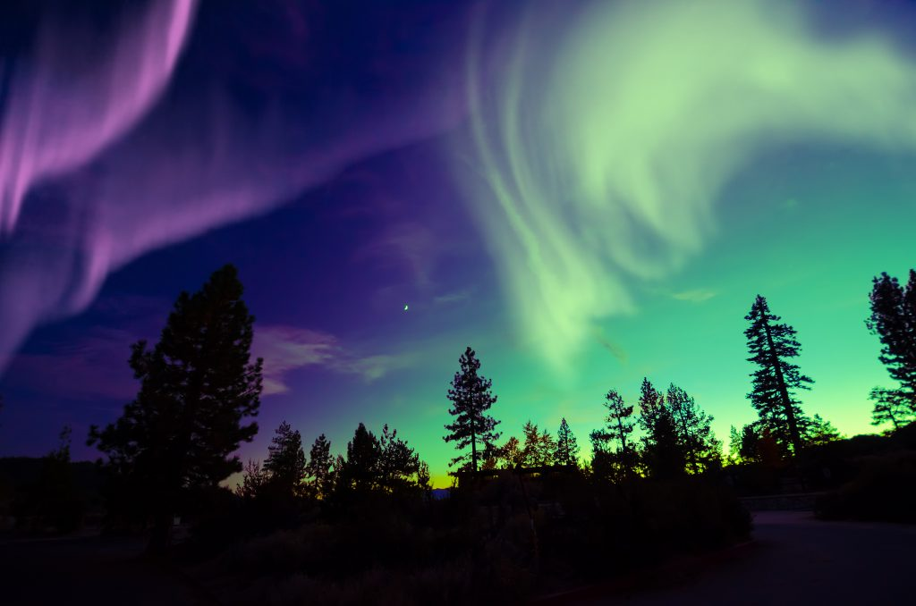 Top 10 Ways To See The Northern Lights Together | Guided Adventure Through Finland
