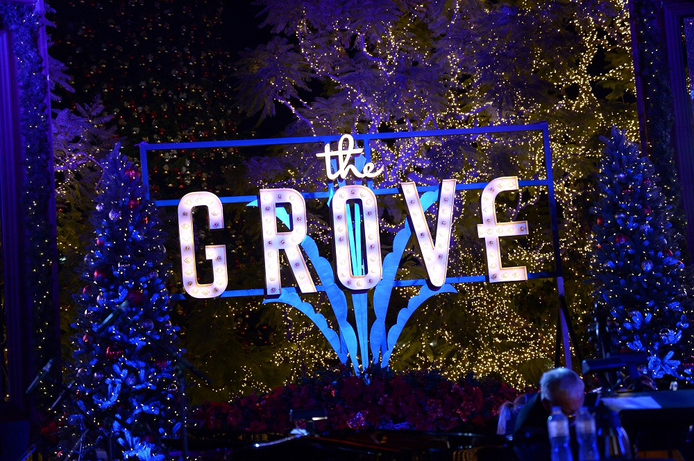 Top 10 Things To Do During Christmas In Los Angeles | The Grove Christmas With Seth MacFarlane Presented By Citi