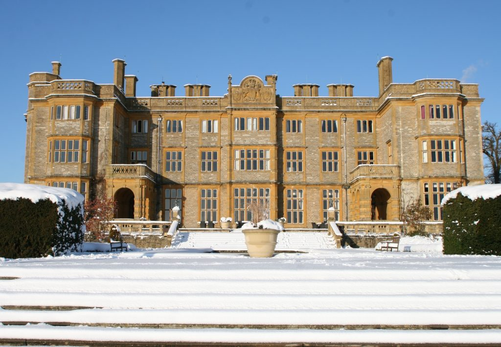 Top UK Hotels For The Ultimate Winter Proposal | Eynsham Hall, Oxfordshire
