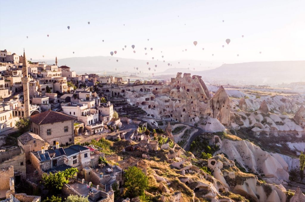 Argos in Cappadocia | Worldwide Hotels For Valentines Day | Hero and Leander