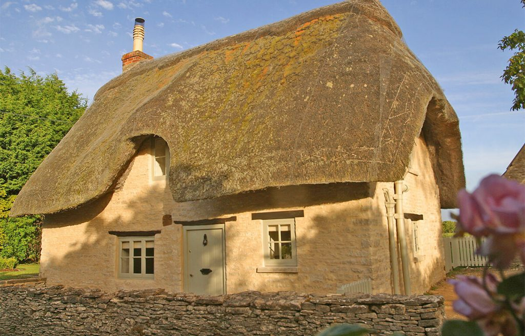 Daffodil Cottage | UK Hotels For Valentines | Hero and LeanderDaffodil Cottage | UK Hotels For Valentines | Hero and Leander